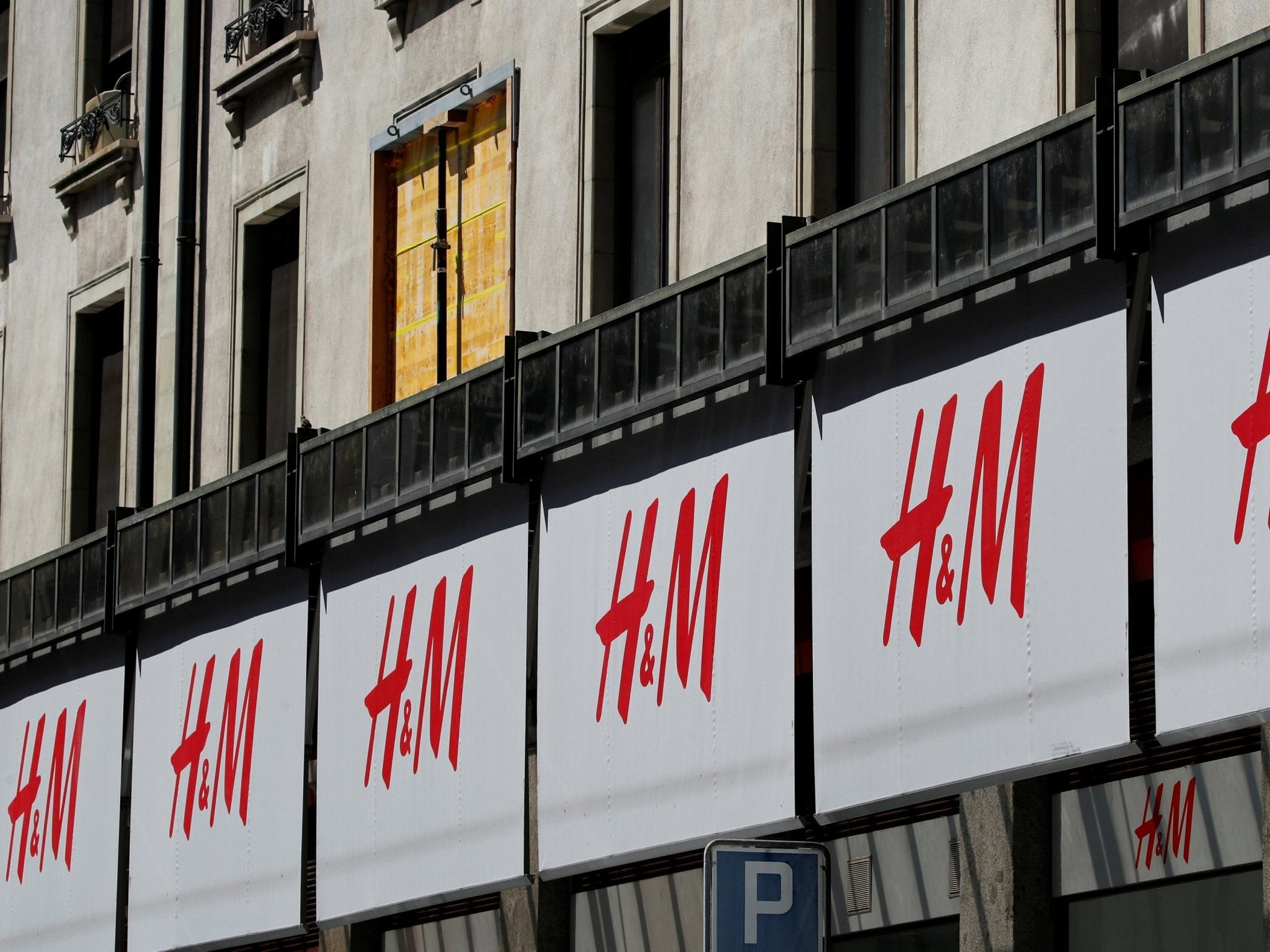 H&M profits drop as retailer pours money into in-store and online improvements