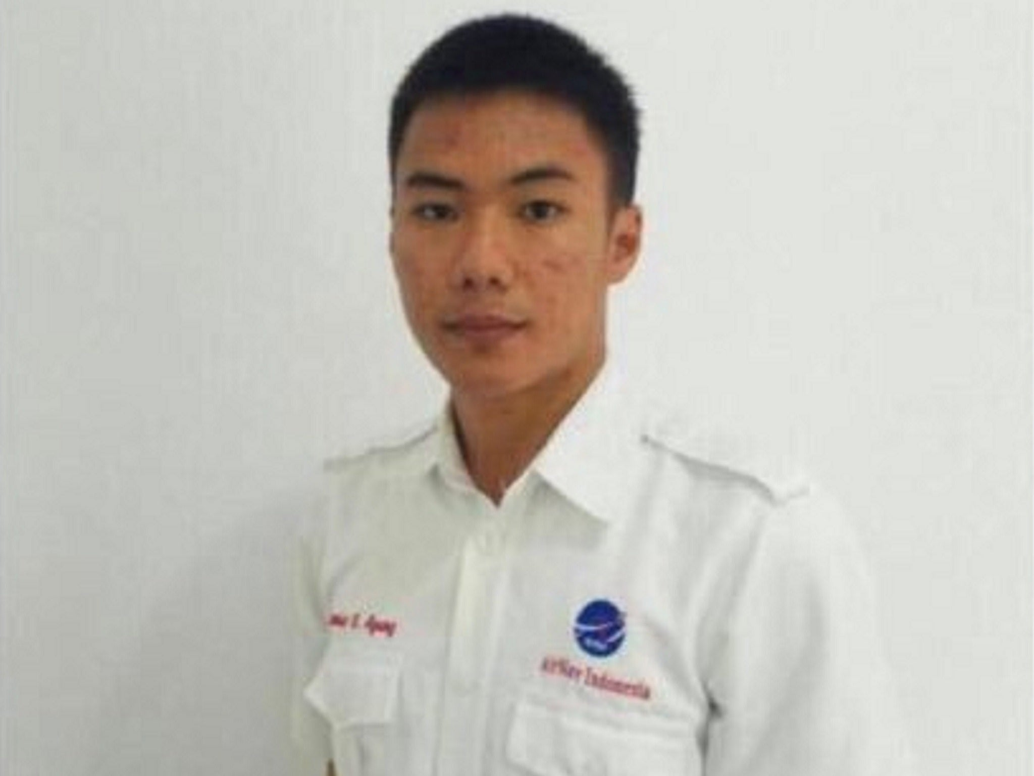 Indonesia tsunami: Air traffic controller 'gave his life so plane could take off'