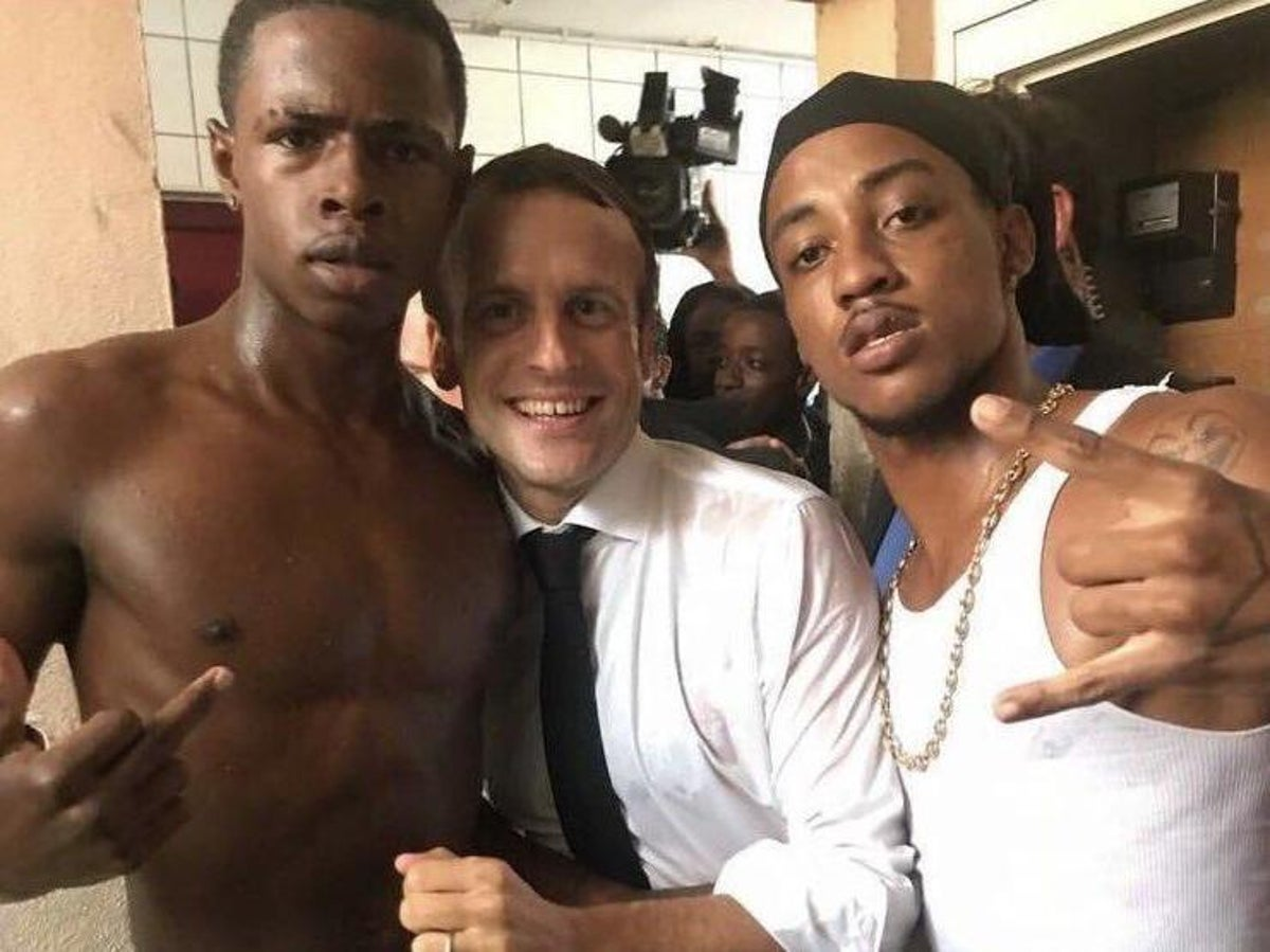 Macron photographed with man making obscene gesture   The Independent   The  Independent