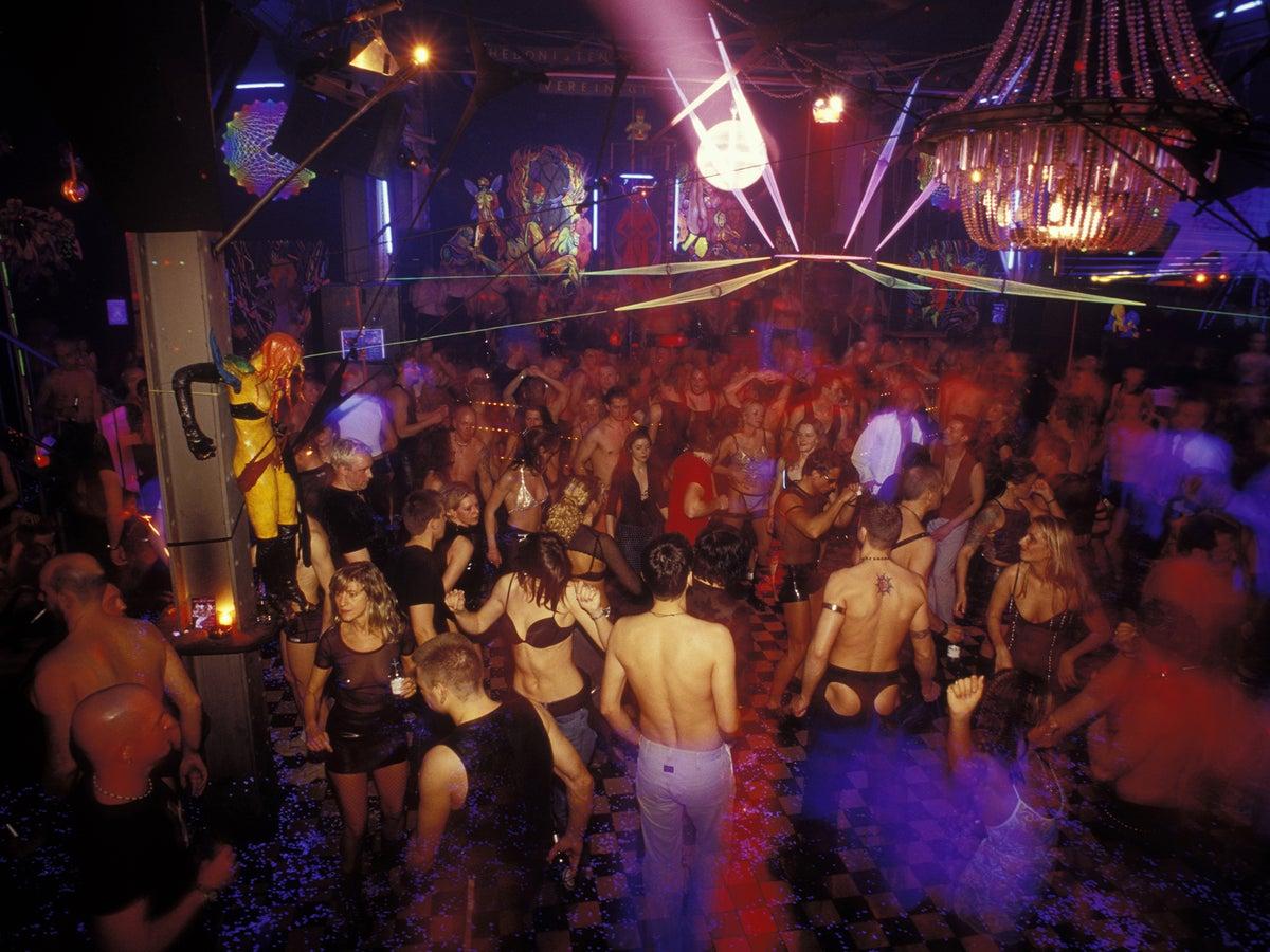 In strip berlin club Six of