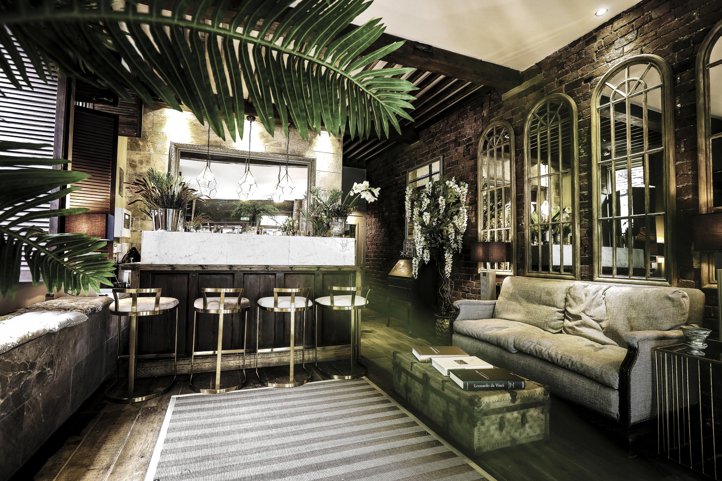 Flipboard Lounge Styling Tips With Stylist Matt Page