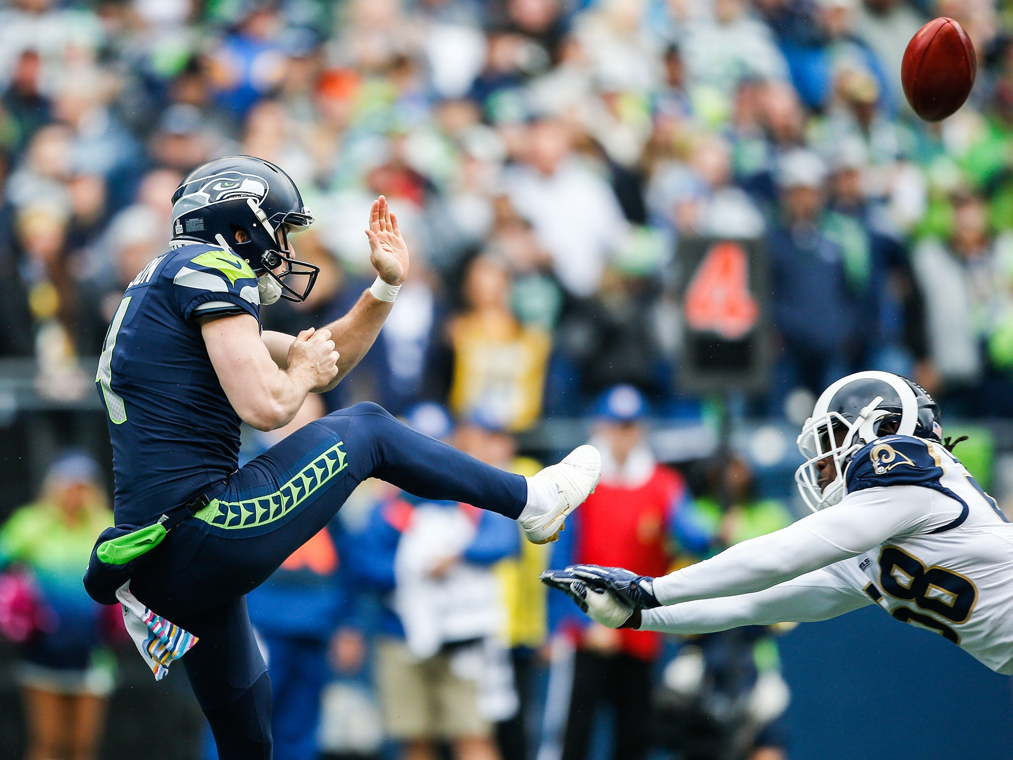 f3b0f82b23e The life of an NFL punter: Michael Dickson may make it look easy but danger  looms just around the corner