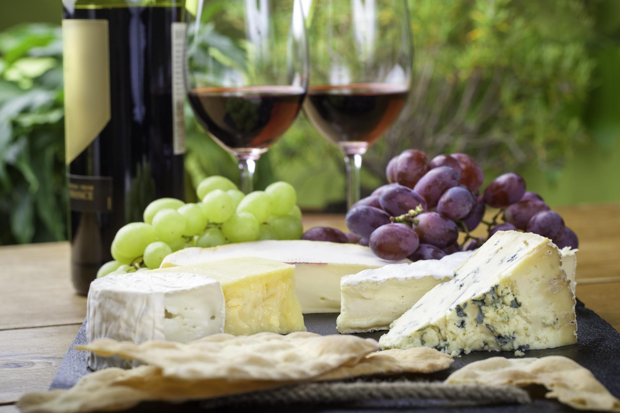 Guide to pairing fine wine with cheese and an introduction to sweet whisky
