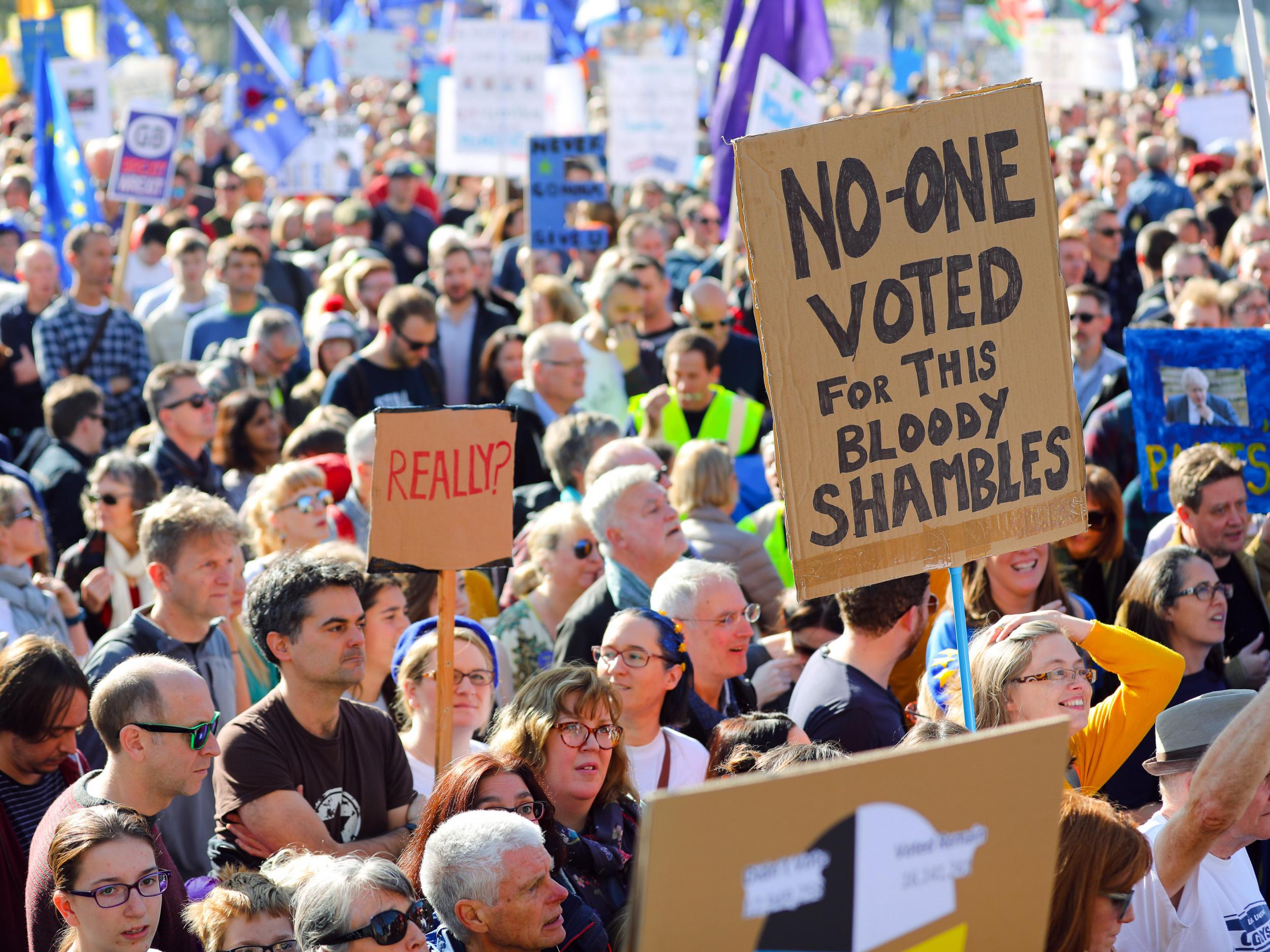 'More than 700,000 protesters' and celebrities join second largest protest in UK this century
