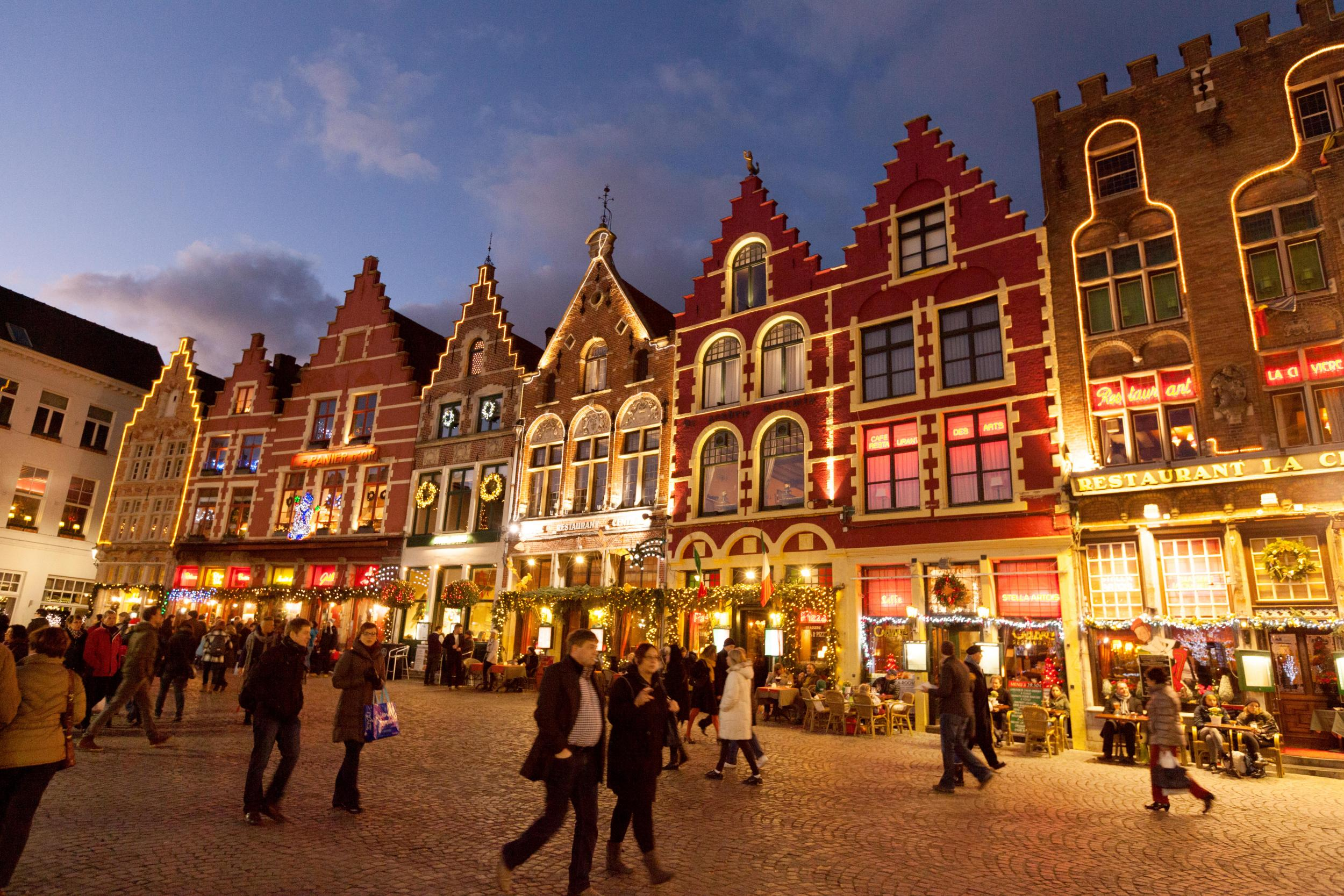 Bruges cracks down on overtourism to avoid becoming 'complete Disneyland'