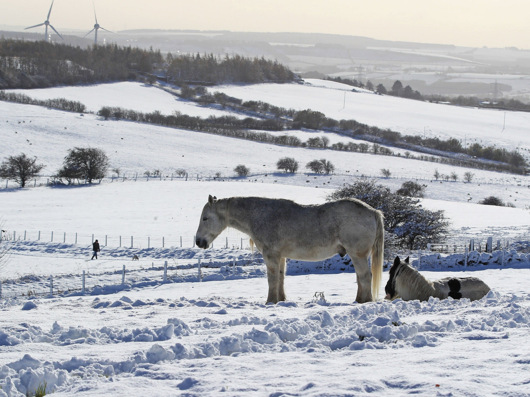 Uk Weather Forecast Snow Hits Uk On One Of The Coldest October Days