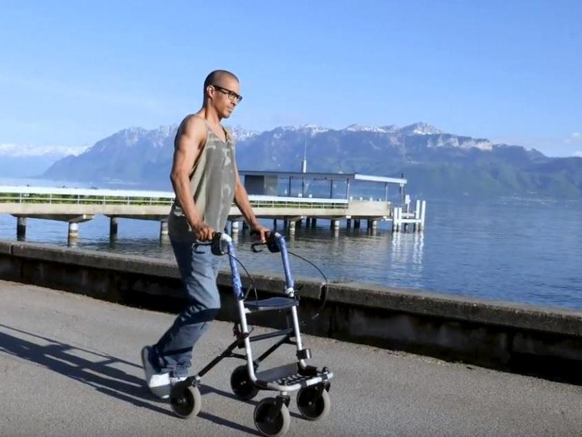Paralysed patients able to walk again as 'breakthrough