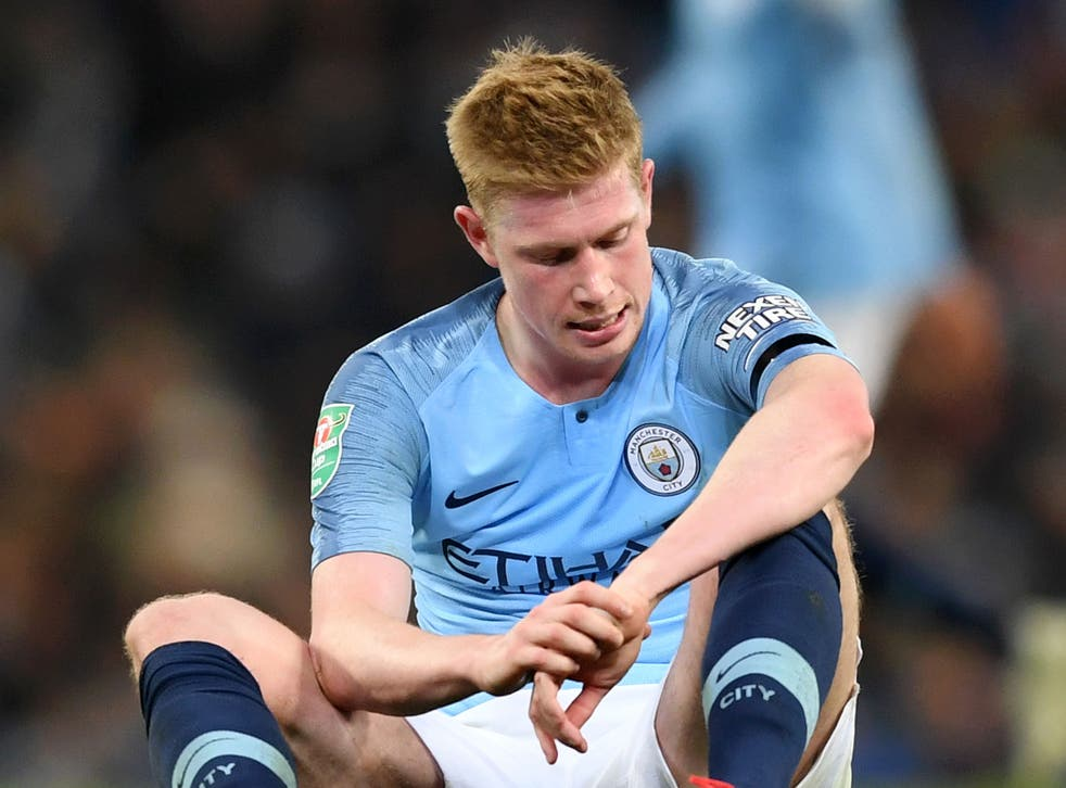 Kevin De Bruyne left the pitch clutching at his left knee