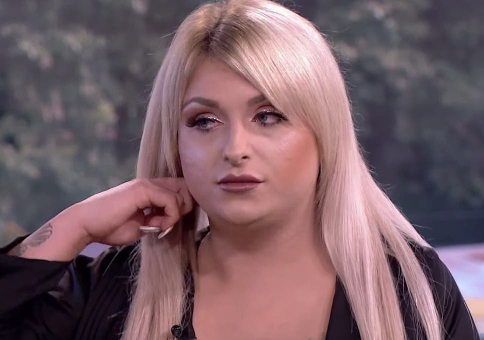 Britain's youngest transgender woman has opened a hair salon ...