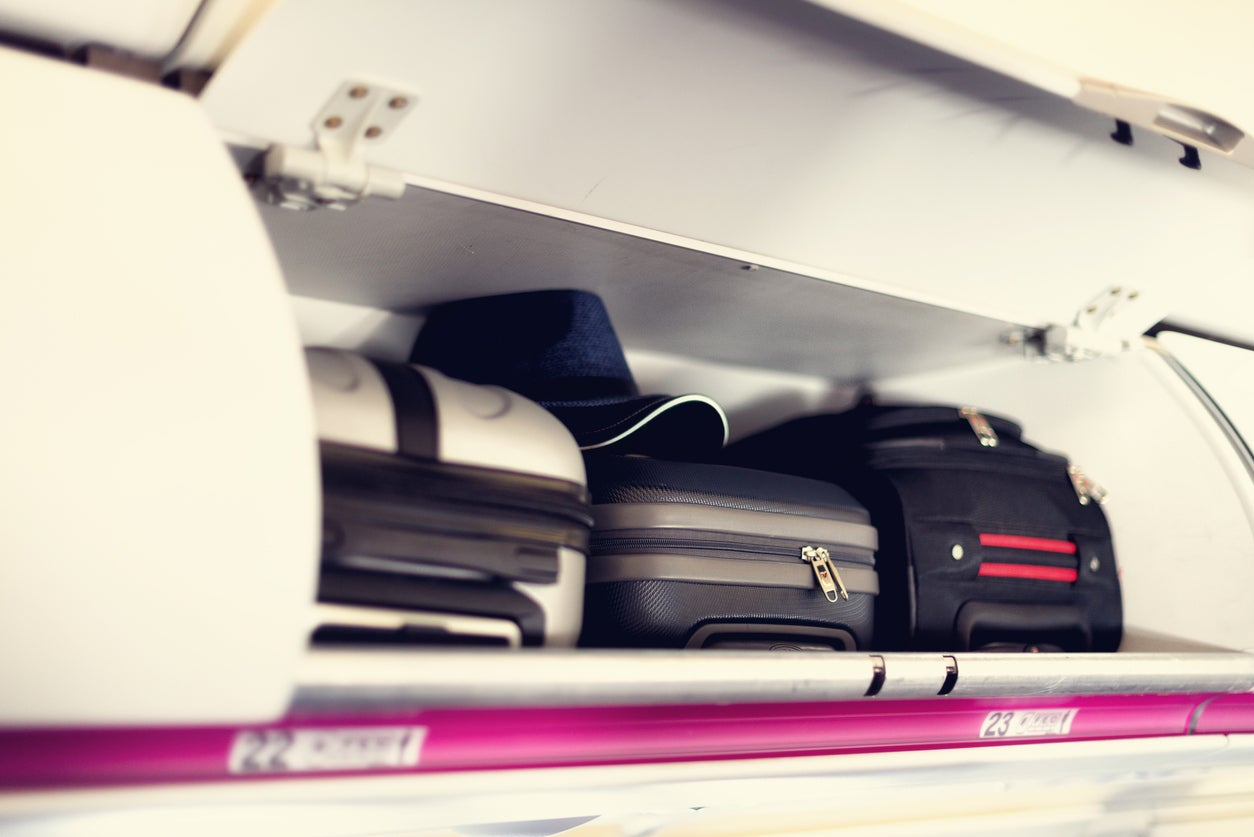 Passengers warned to remove all valuables when checking in hand luggage at the gate