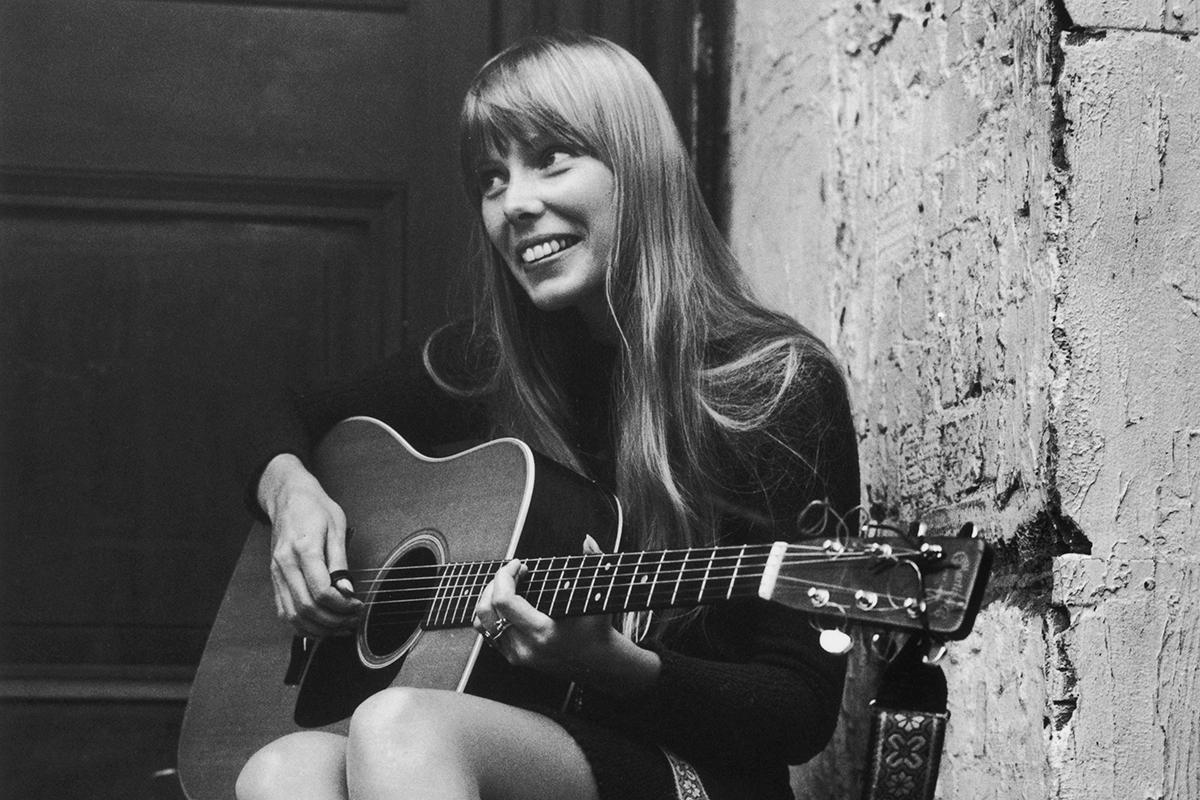 From Joni Mitchell to James Taylor: How singing voices can get better with age