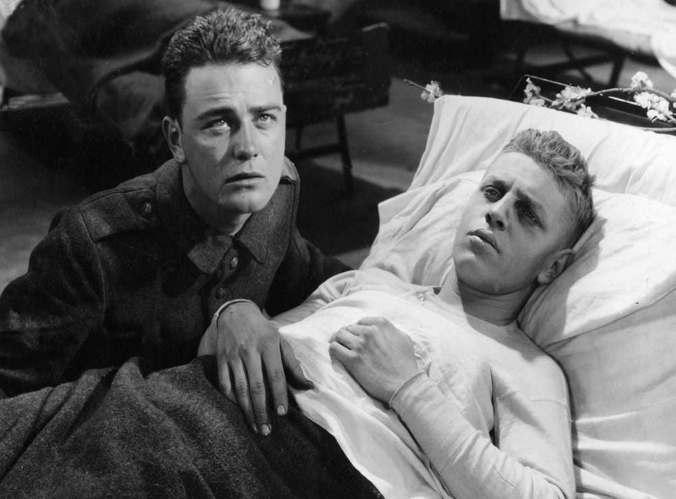 Lew Ayres and Ben Alexander in All Quiet On The Western Front