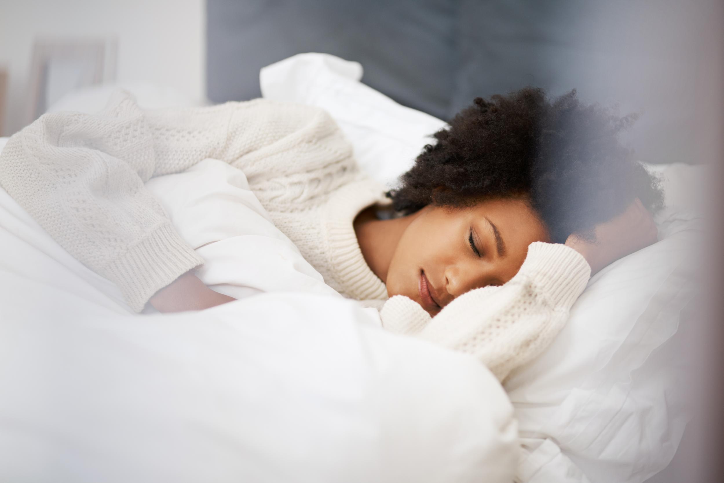 Un estudio encuentra que las personas que duermen durante demasiado tiempo con mayor riesgo de enfermedad cardíaca
