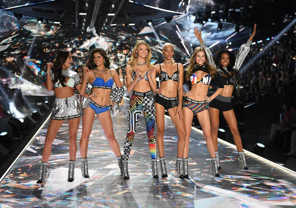 eedf1f2d120 Victoria s Secret Fashion Show 2018  Adriana Lima and Kendall Jenner walk  the runway