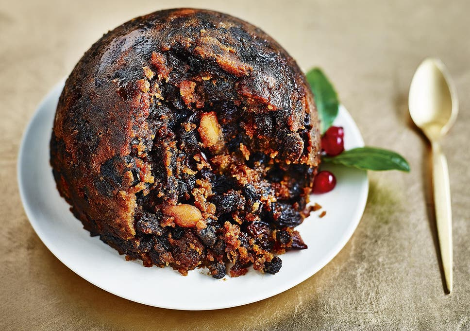 8701520315112 Marks & Spencer's traditional Christmas pudding is rich and indulgent