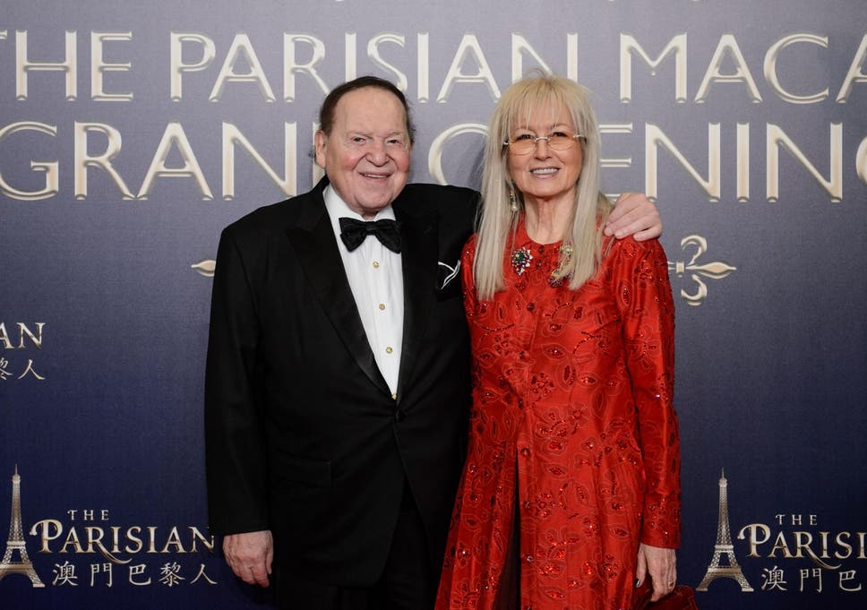 Sheldon Adelson poses with his wife Miriam, who is set to receive the Medal of Freedom from Donald Trump
