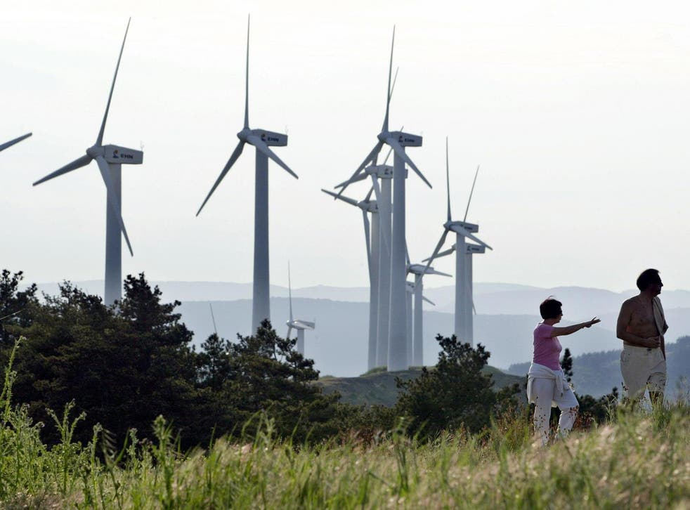 Spain intends to massively invest in wind and solar over the next decade