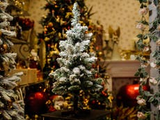 11 Best Artificial Christmas Wreaths The Independent