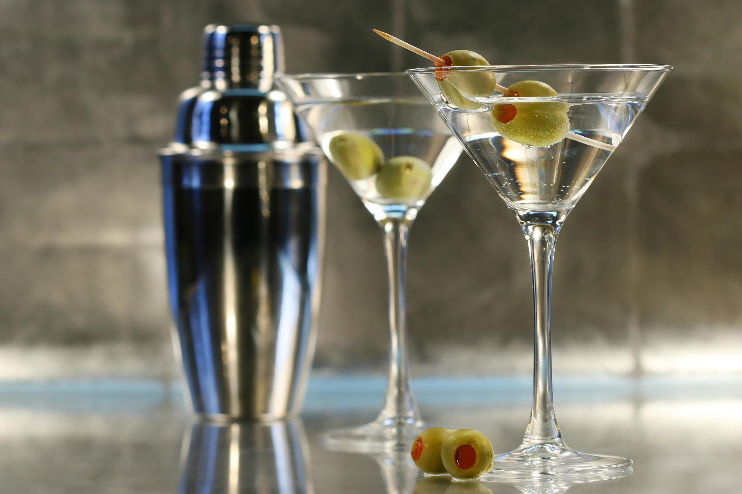 The correct way to make a vodka martini, according to cocktail expert