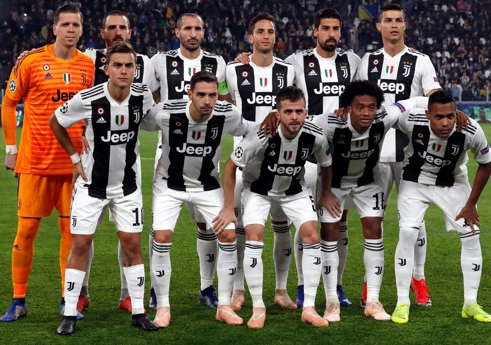 https://static.independent.co.uk/s3fs-public/thumbnails/image/2018/11/24/13/Juventus-team-photo.jpg?w968h681