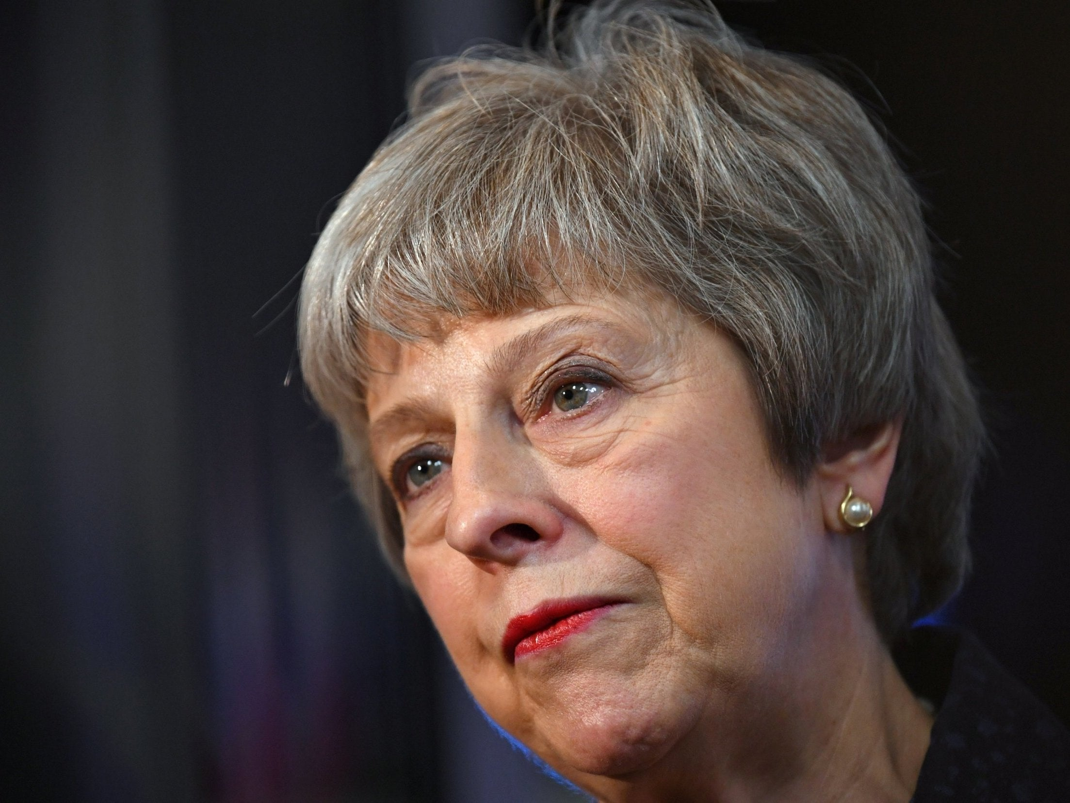 Theresa May urges Europe to back a Brexit extension | The