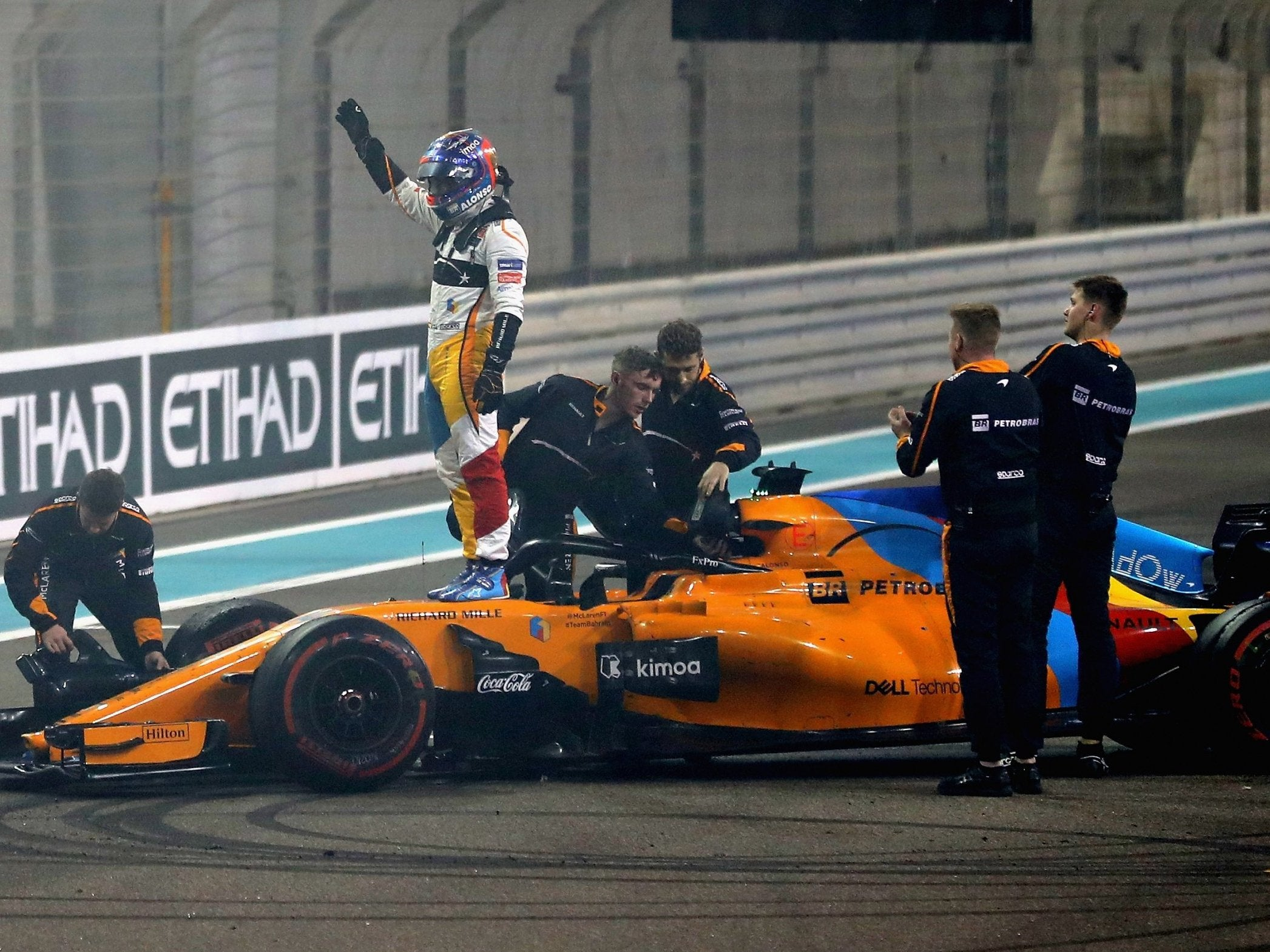 Fernando Alonso bows out of F1 with one last radio jibe to McLaren