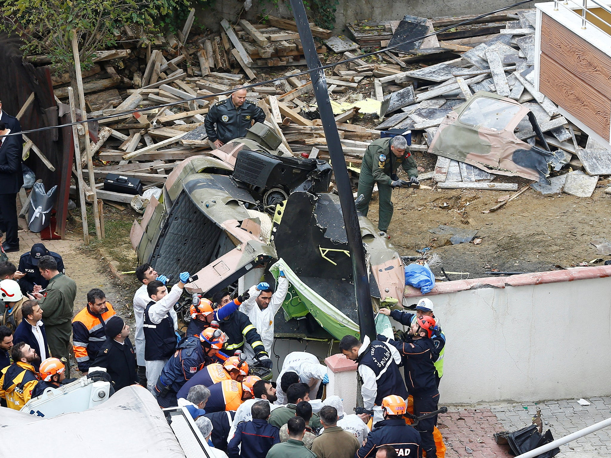 Turkey military helicopter crashes in residential area of Istanbul ... fa92cea82