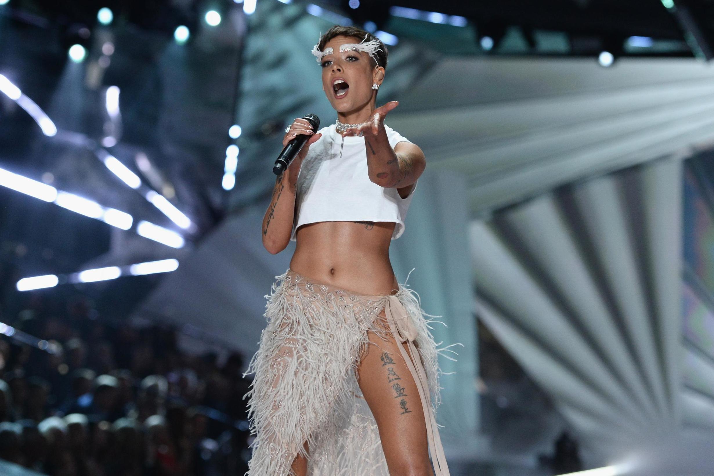 Halsey review, Manic: Popstar wrestles with self-destructive tendencies on her erratic third album