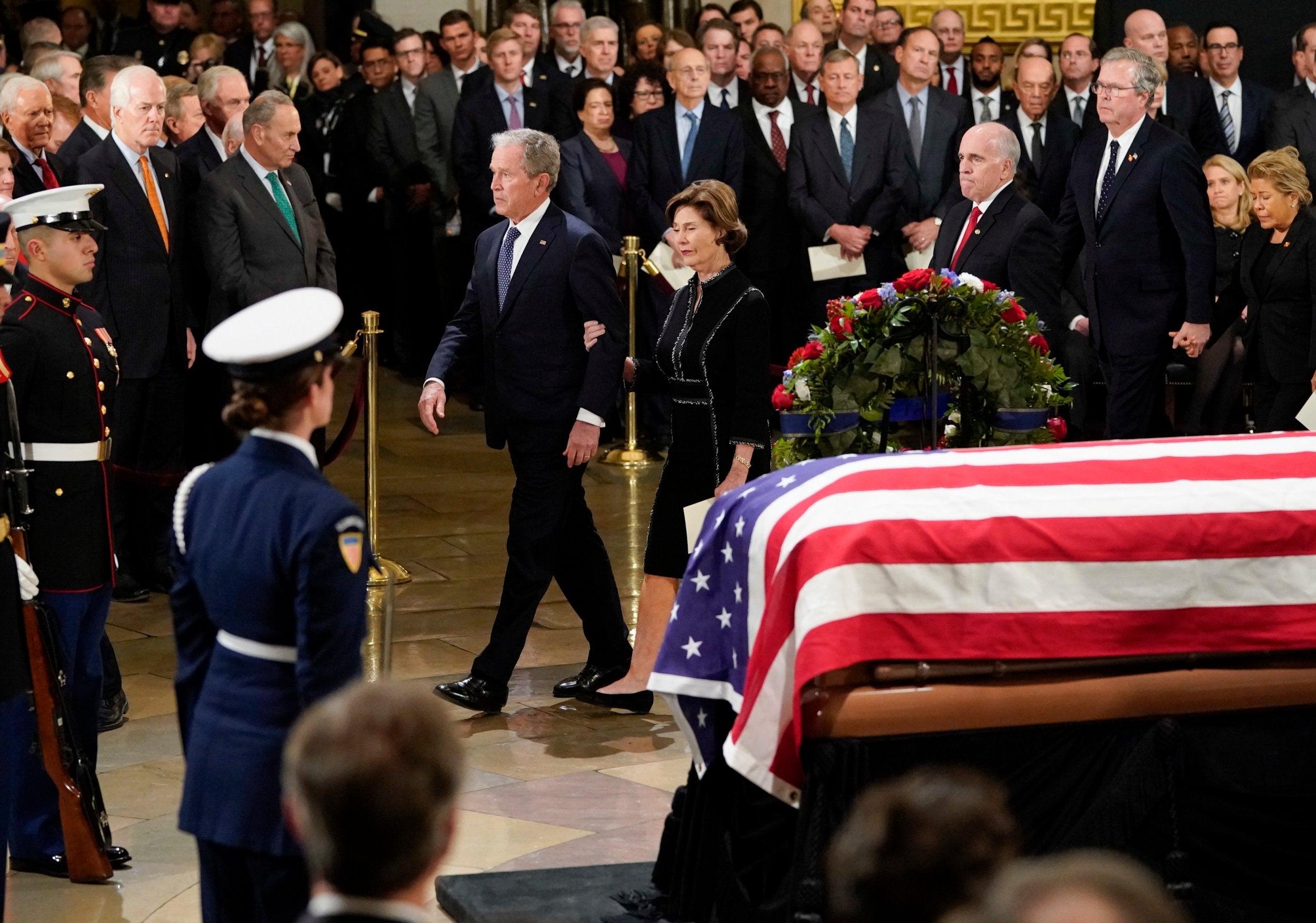 George Hw Bush Funeral President Makes Final Journey To Washington