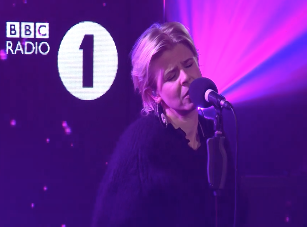 Robyn sings 'Last Christmas' in a BBC Live Lounge session