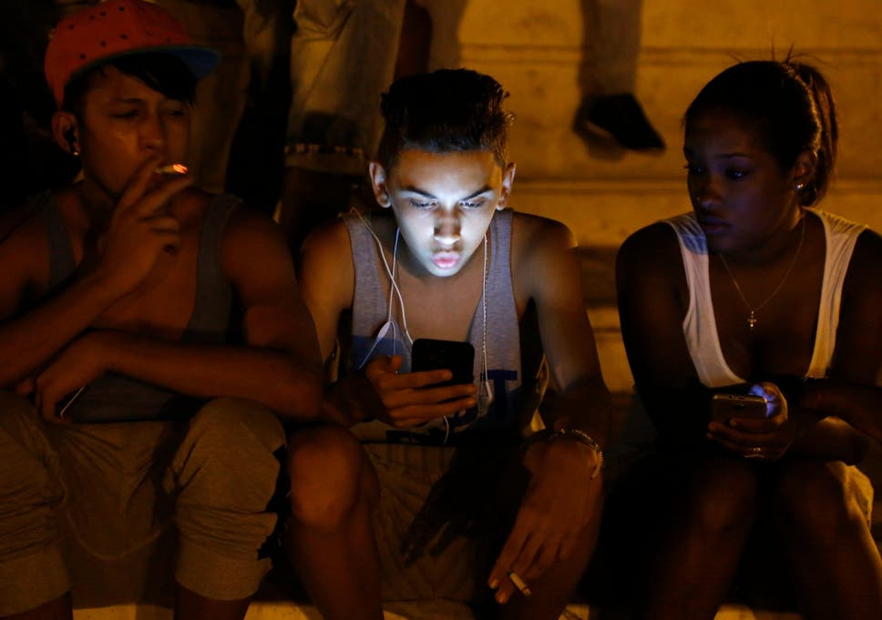 af0a50e8 Cuba to finally give citizens internet access on their phones as government  launches 3G service