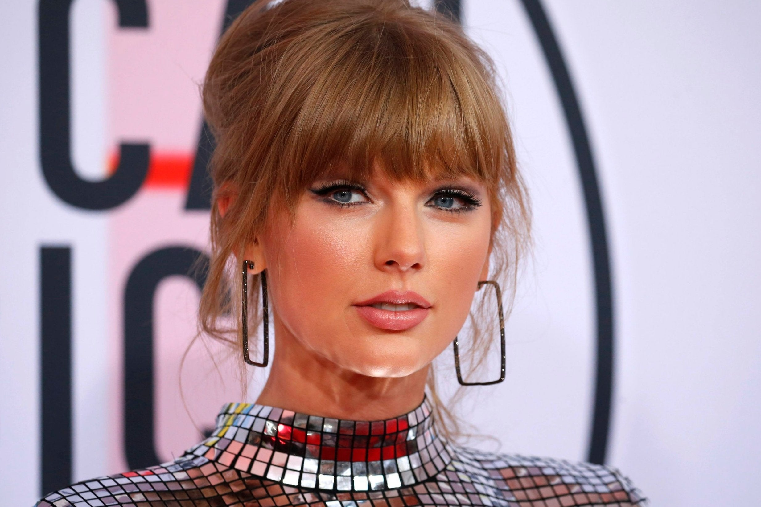 Taylor Swift teases new album with mysterious countdown clock on social media