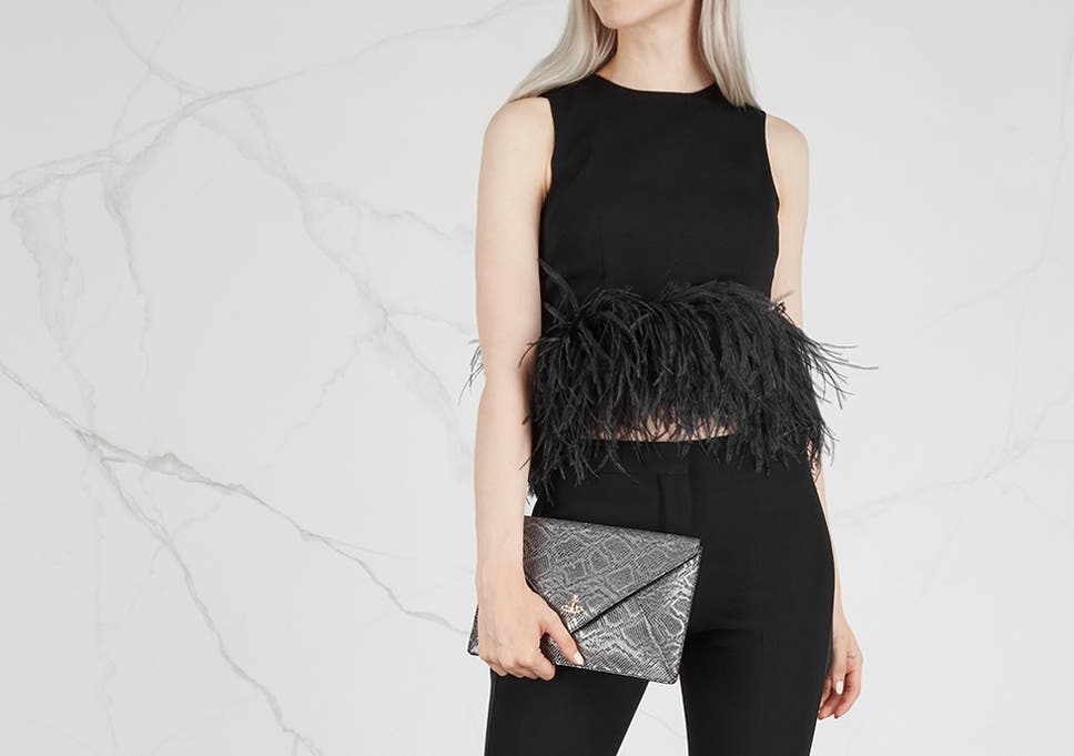 Finding the perfect outfit for your Christmas do is a tough feat 0dfc90f9372e3