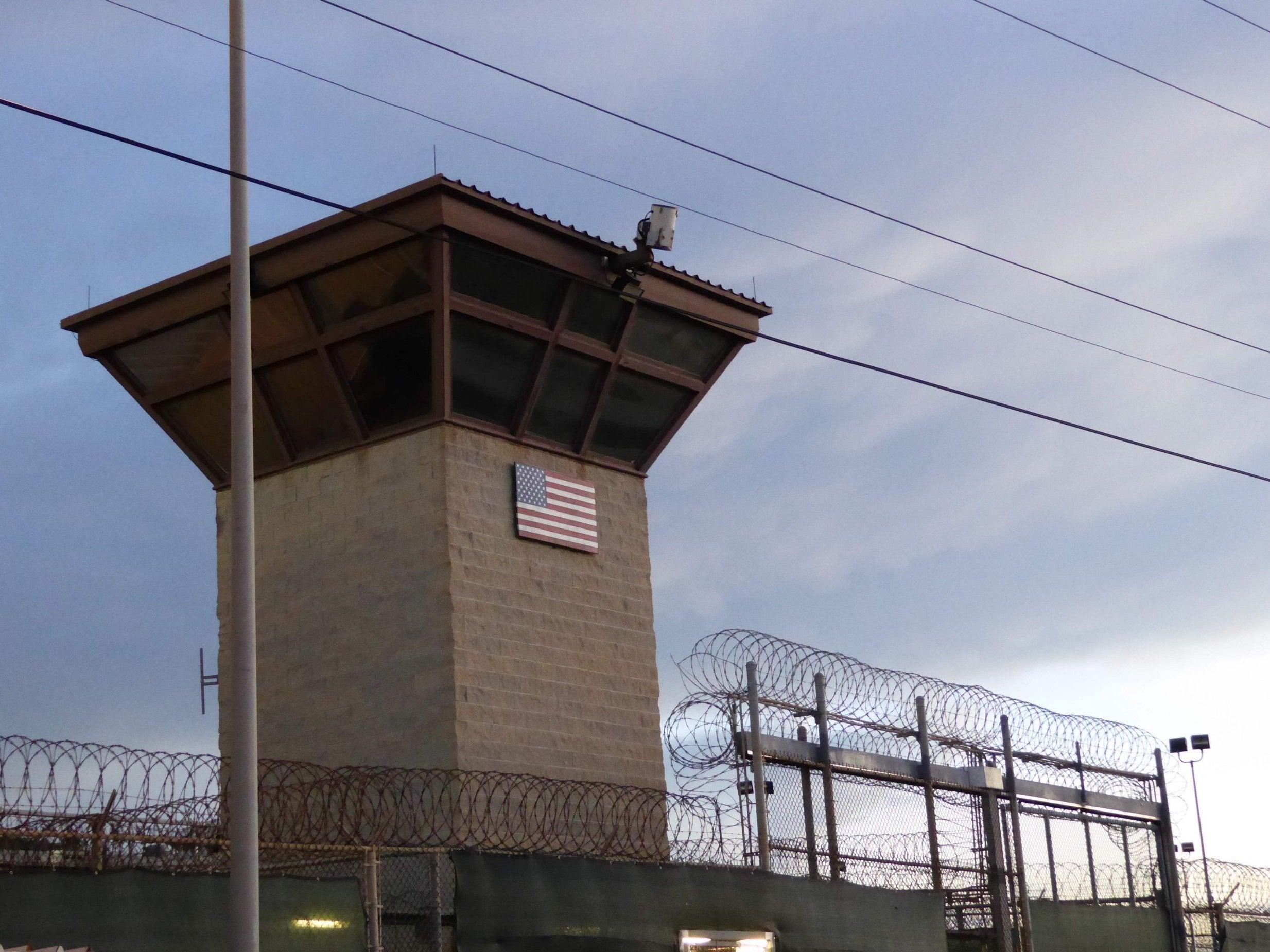 https://static.independent.co.uk/s3fs-public/thumbnails/image/2018/12/06/18/US-prison.jpg
