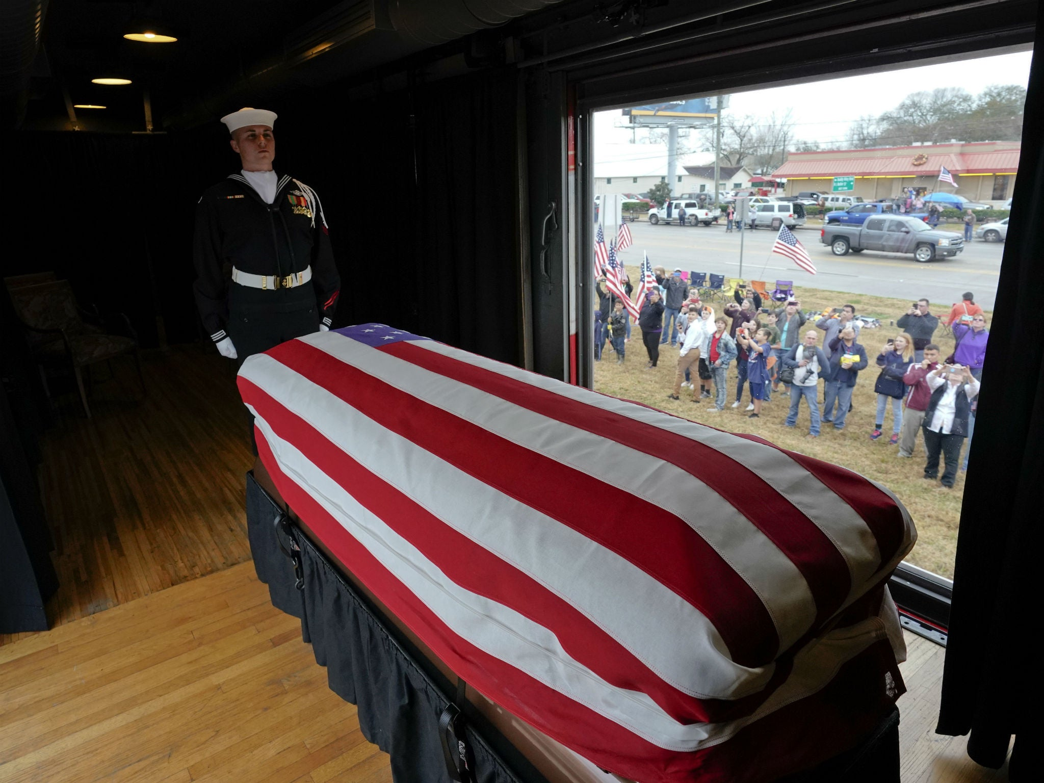 George HW Bush funeral: 1,000 mourners descend on Texas for final goodbye to president 'carved in hard granite of history'