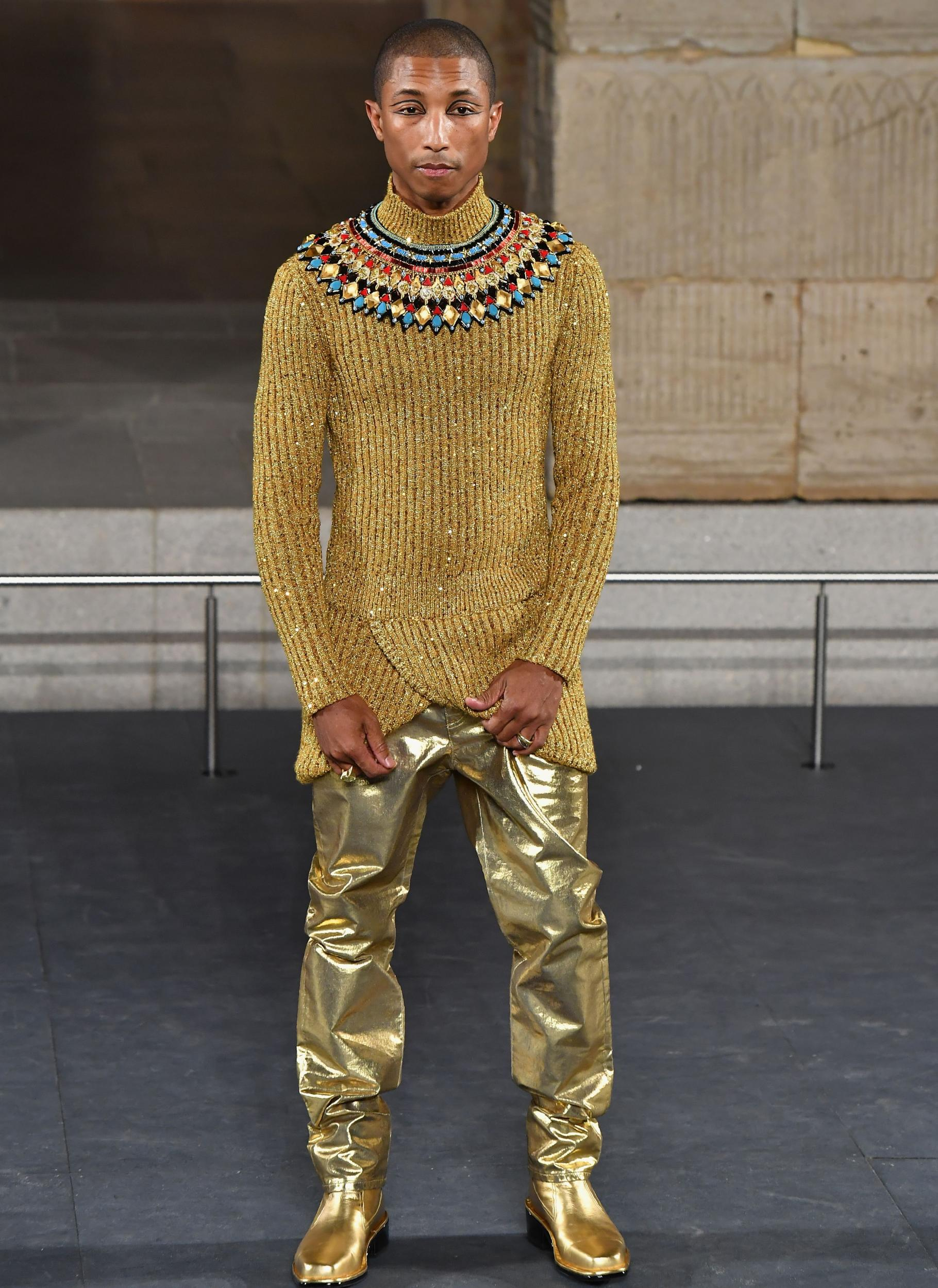 e089dd5b59d Alton Mason makes history as first black male model to walk in Chanel show  in 109 years