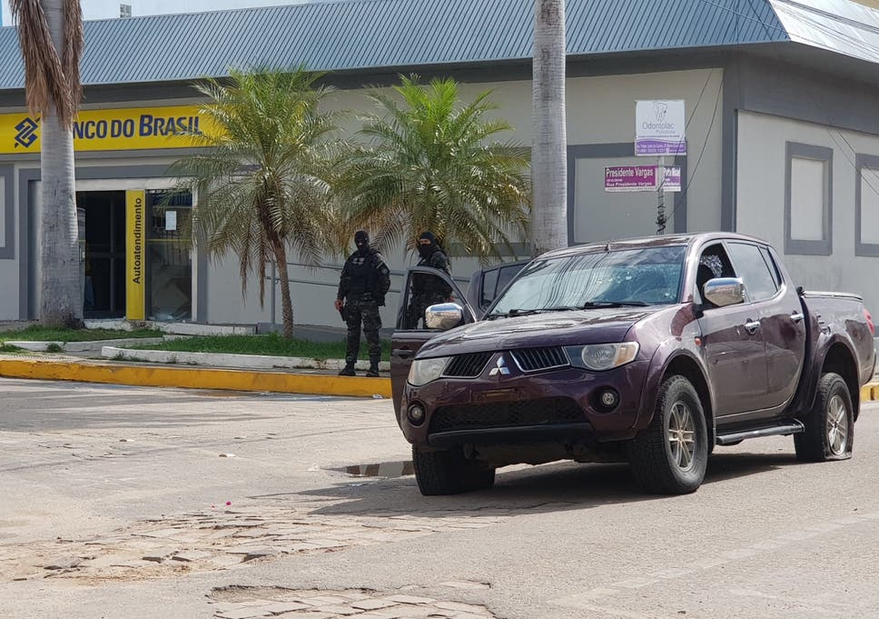 Brazil Bank Robberies At Least 14 Killed In Police Shootout The