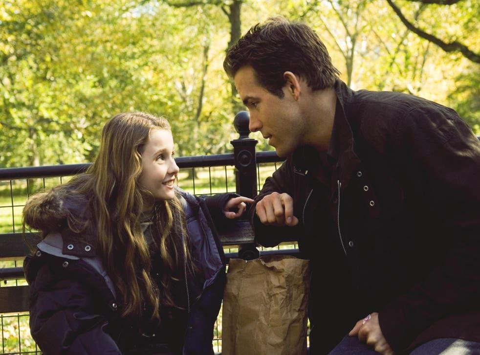 Abigail Breslin and Ryan Reynolds in 'Definitely, Maybe'