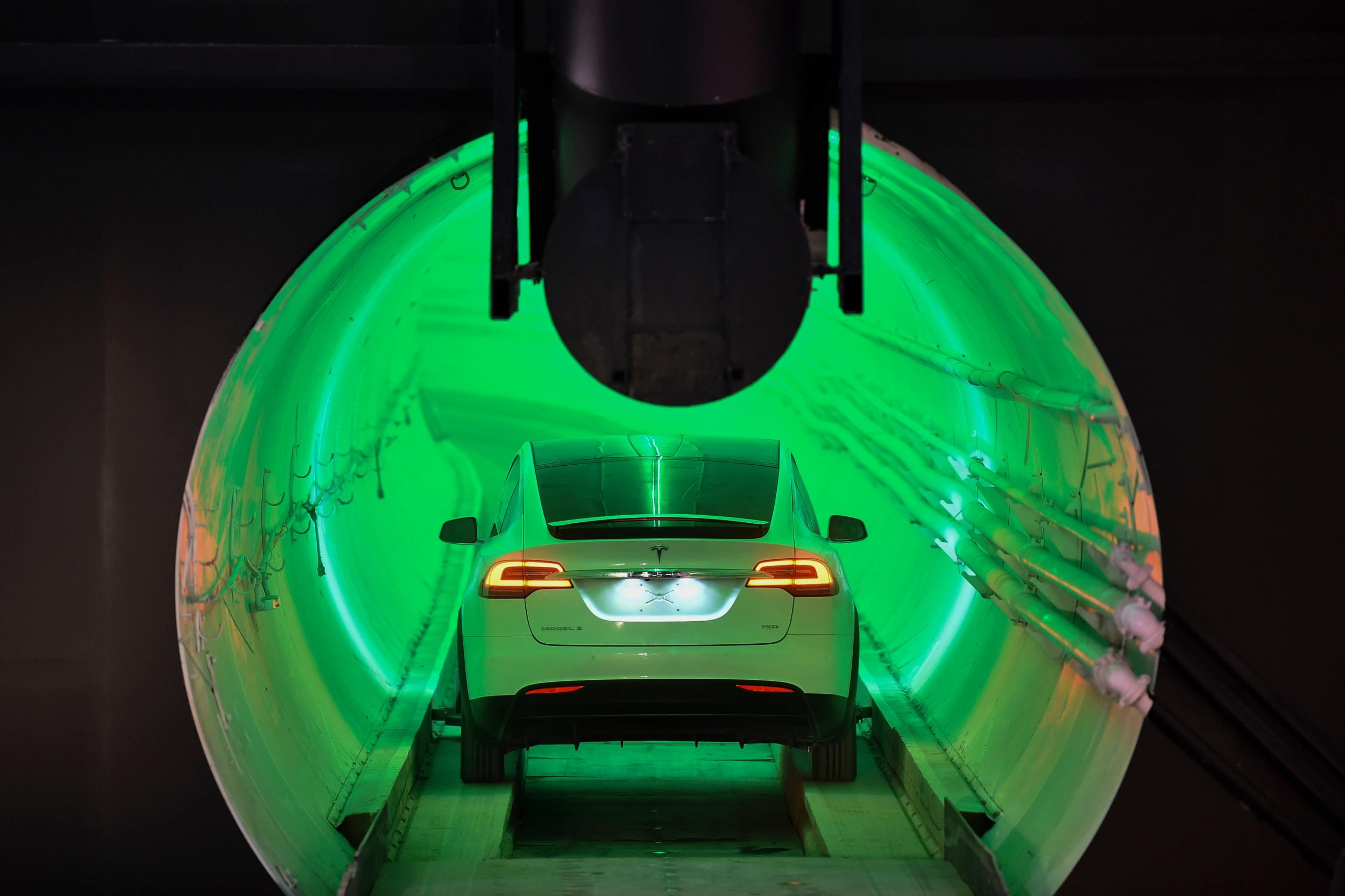 Elon Musk unveils first high-speed \'Loop\' tunnel by The Boring ...
