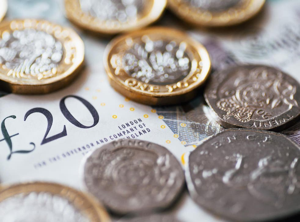 Households each took on an average £886 extra unsecured debt in twelve months