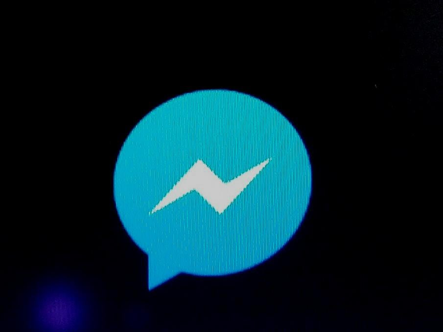 Facebook Messenger Tests Dark Mode to Put Less Strain on Users' Eyes