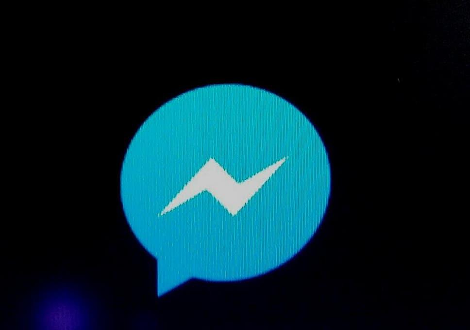 Facebook Messenger tests Dark Mode to put less strain on