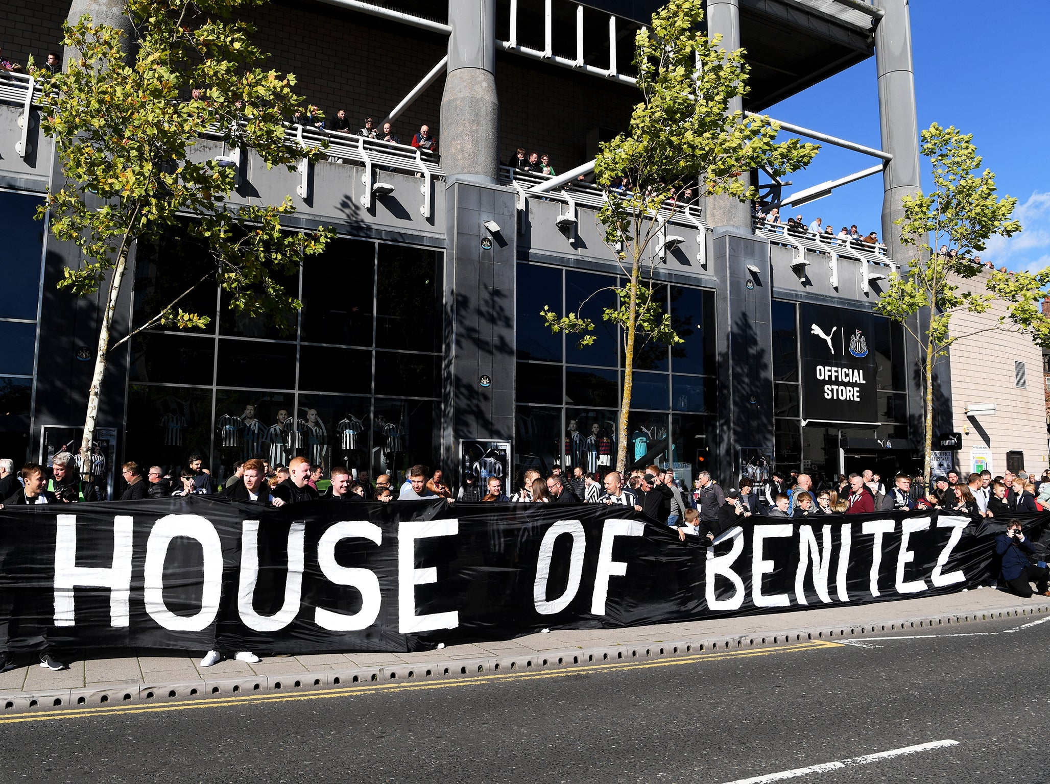 Newcastle United transfer news: Fans come together to urge Mike Ashley to back Rafa Benitez