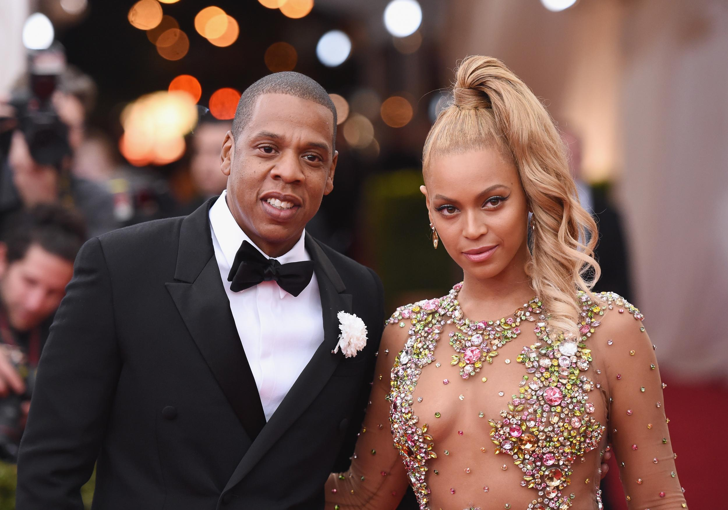 21fc26afb4a9 Beyoncé reveals full length shot of wedding vow renewal couture gown ...