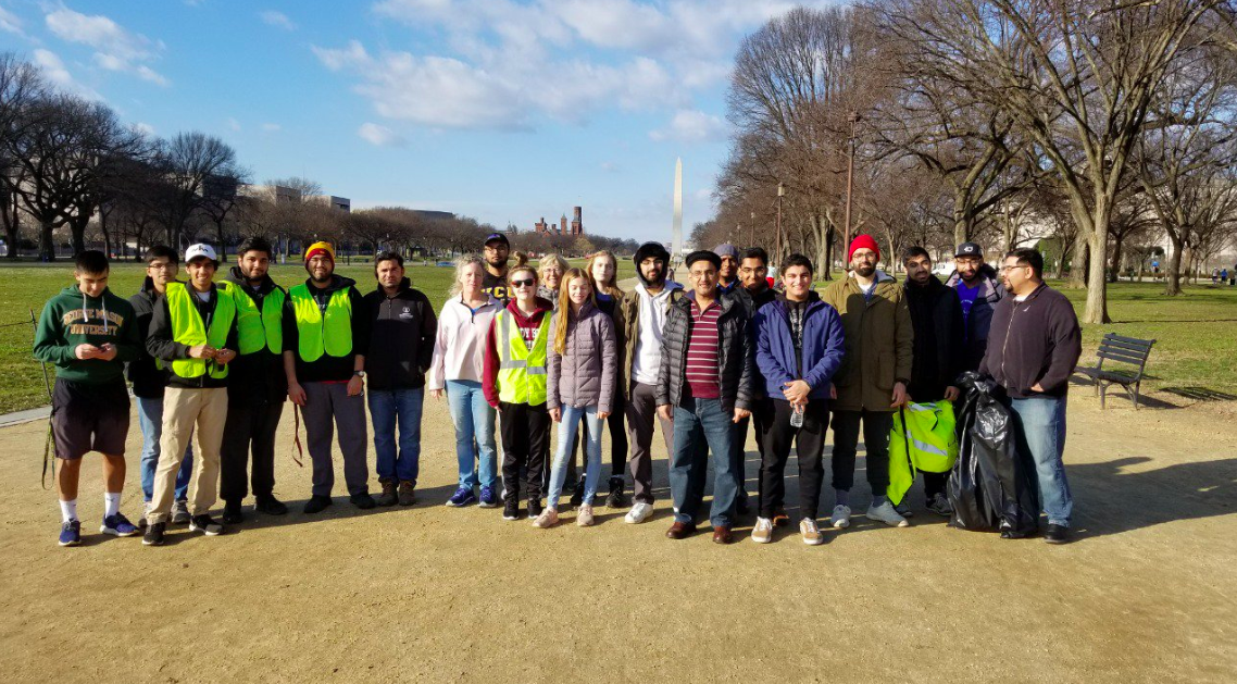 Muslim youth groups across US clean up national parks amid government shutdown