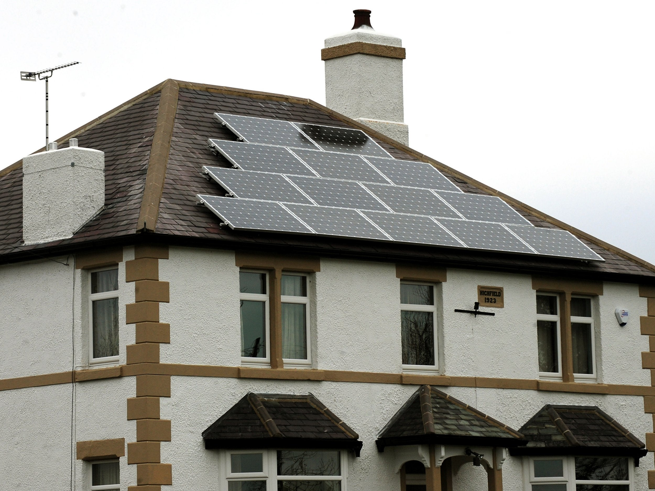 Solar Panel Households To Be Paid For Surplus Power Under