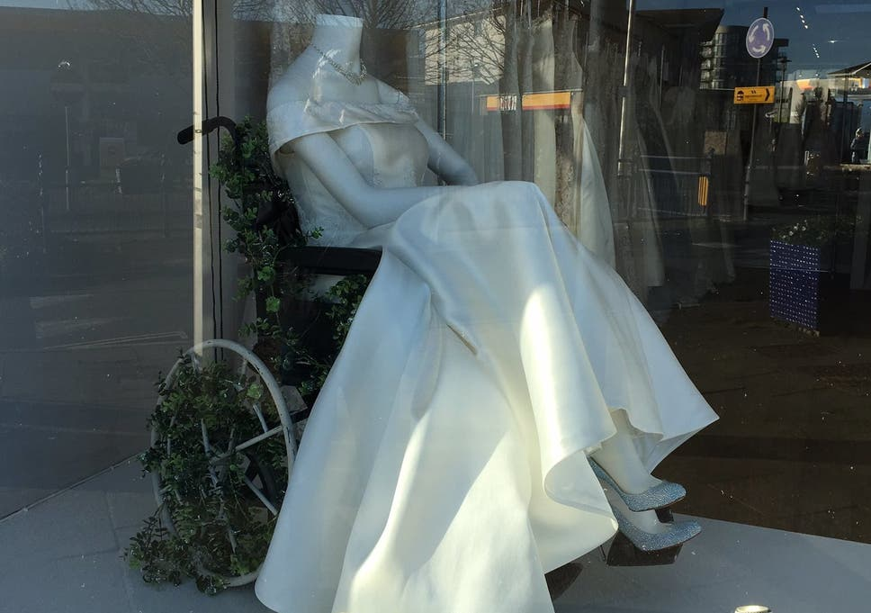 a7c5d7989531 Disabled woman praises wedding dress shop for featuring mannequin in  wheelchair. '