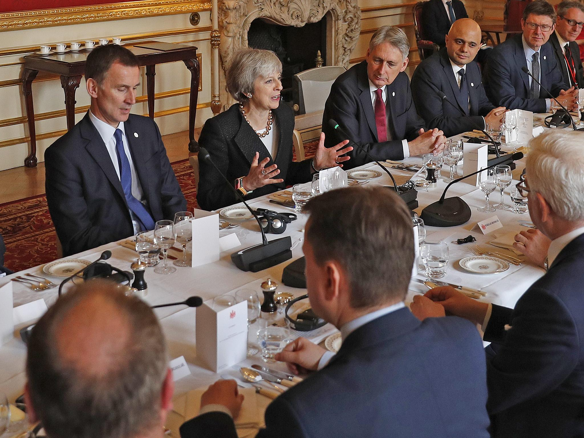 Brexit: Cabinet ministers push for Theresa May to support time-limited plan for Irish backstop