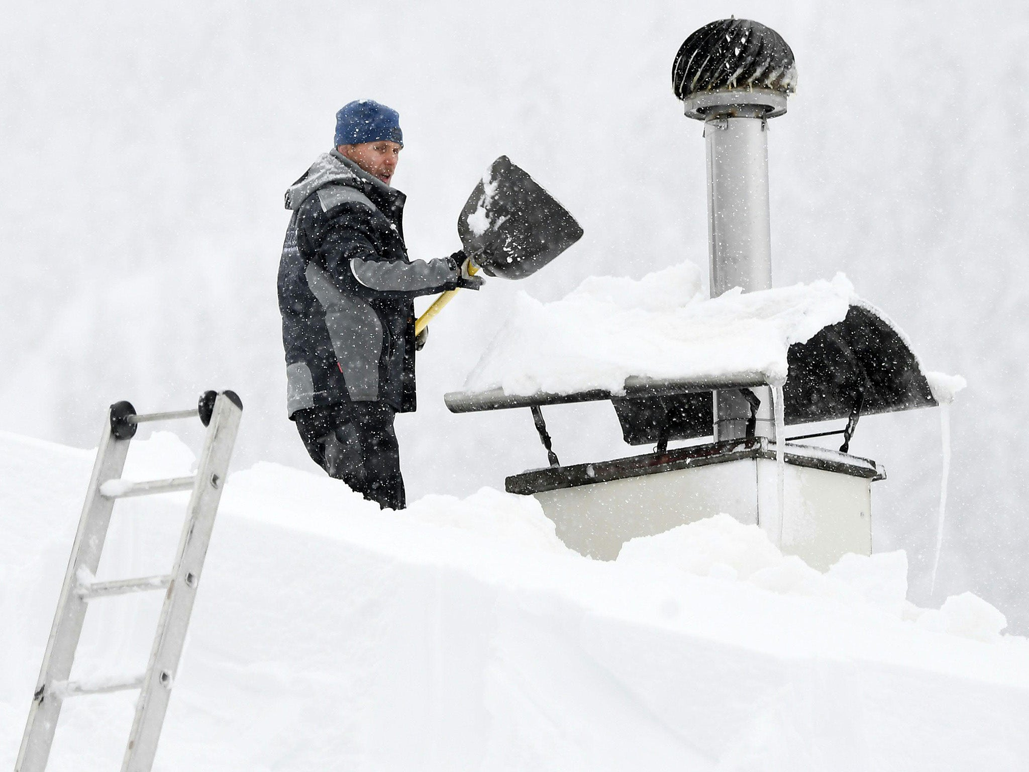Lech News: Europe Weather: Two Rescuers Die In Avalanche Trigger