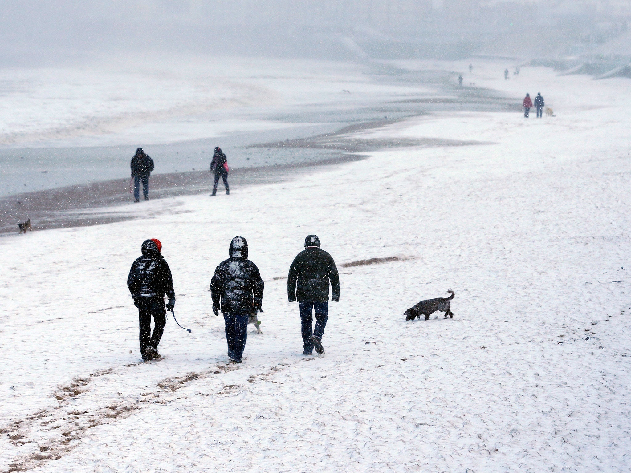 UK weather forecast: Snow and sub-zero temperatures to hit Britain